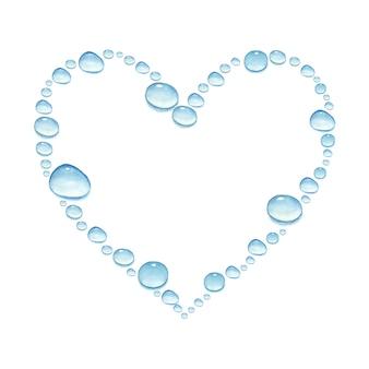Сердце с акварель рисованной капли воды, изолированные на белом фоне