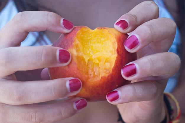 Hearth peach shape