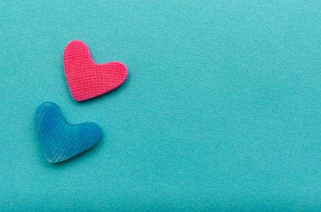 파란색 배경에 마음입니다. 발렌타인 배경입니다.