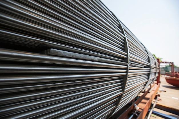 열 교환기 튜브 산업용 열 교환기의 세부 사항은 스테인리스 스틸로 된 쉘 및 튜브 콘덴서 재료입니다.