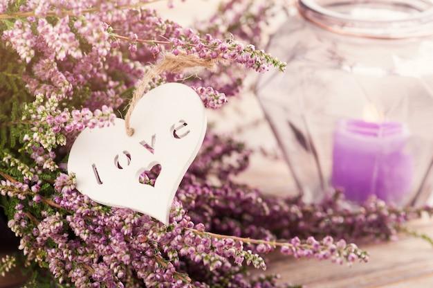 ピンクのheat、紫のキャンドルポット、ハート