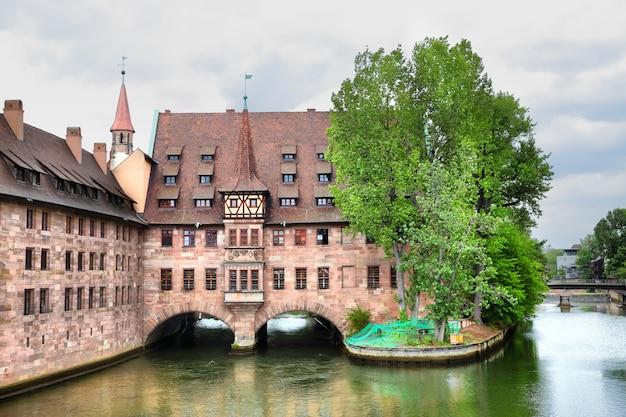 Heilig-geist-spital (хоспис святого духа) в нюрнберге, германия