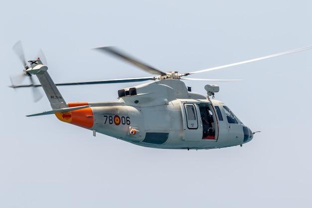Helicopter sikorsky