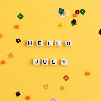 Ciao luglio perline messaggio tipografia