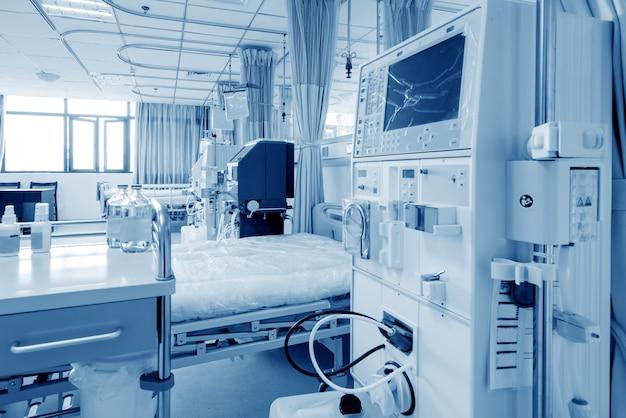 병원 병동에있는 혈액 투석 기계.