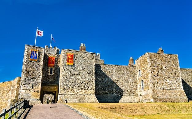Великая башня генриха ii в дуврском замке в графстве кент, англия, великобритания