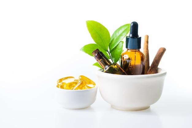 Масло трав от натурального для ароматерапии, альтернативной медицины для здоровья и хорошего самочувствия
