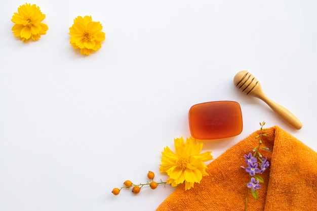 Herbal soap extract honey with face towel