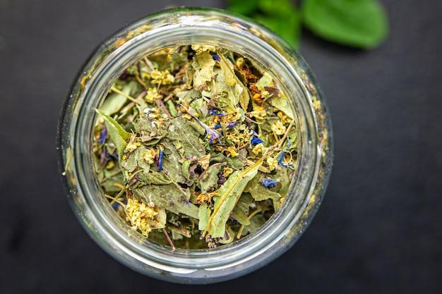 Травяной чай лекарственные травы листья цветы липа ромашка василек мята мелисса