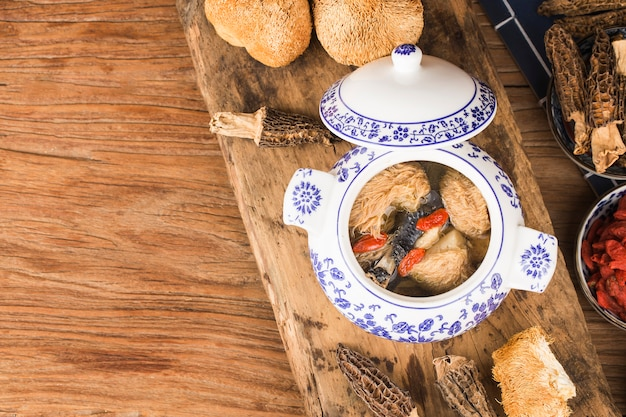 Hericium mushroom black chicken stew