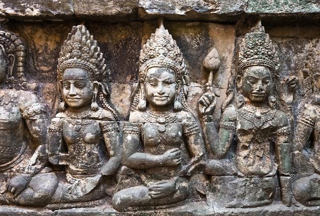 The hidden wall, angkor wat
