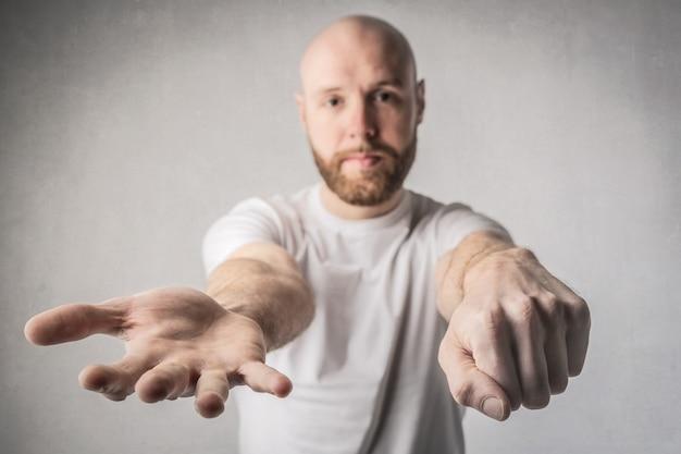 Hiding fist game