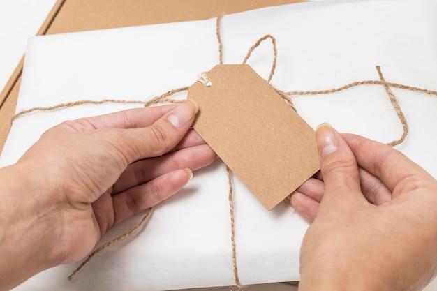 リサイクル可能なパッケージのハイアングルの品揃え