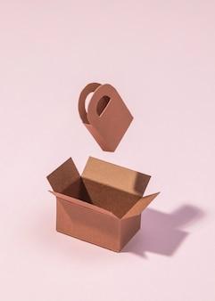 분홍색 배경에 높은 각도 상자