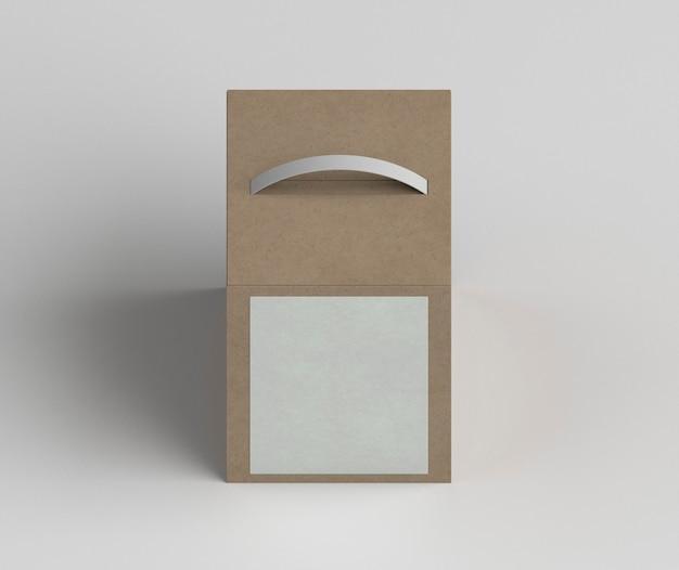 Ассортимент картонных коробок под большим углом