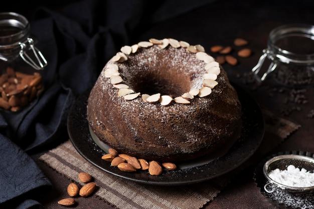 Alto angolo del concetto di torta al cioccolato