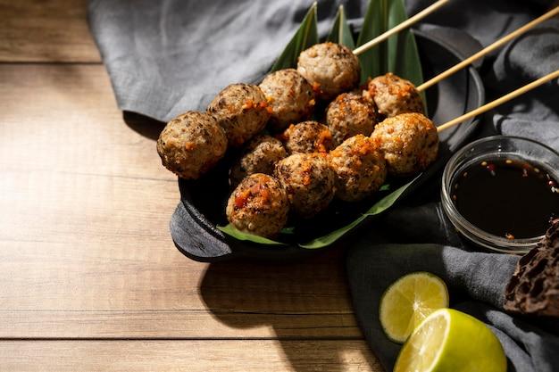 맛있는 인도네시아 bakso의 높은 각도 구성