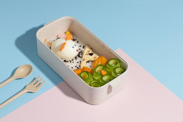 日本のお弁当箱のハイアングル構成