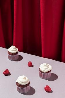 ハイアングルカップケーキの配置