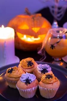Angolo alto del delizioso concetto di cibo di halloween