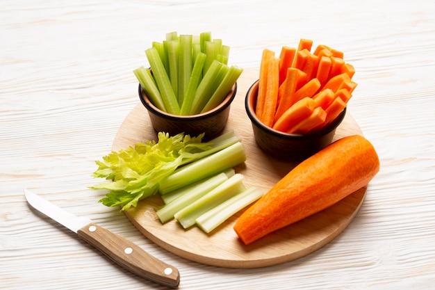 Высокий угол расположения вкусных овощей