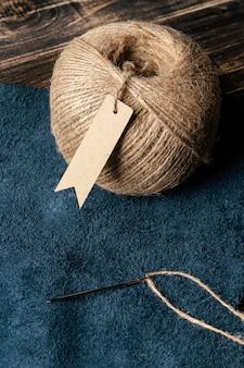 ハイアングル生地と糸の配置