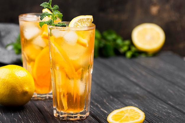 High angle ice tea glass with lemon