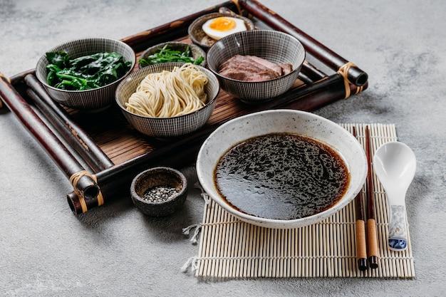 ハイアングル日本料理の品揃え