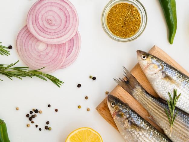 High angle mackerels with onions and lemon