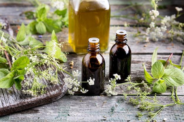 Alto angolo del concetto di medicina naturale