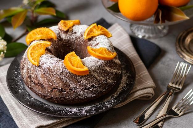 Высокий угол концепции шоколадного торта