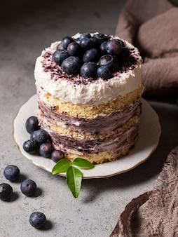 맛있는 케이크 개념의 높은 각도