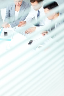 Высокий угол зрения руководителей подготовки презентации