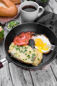 High angle pan with egg and vegetables
