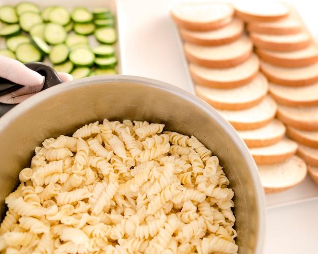 Disposizioni ad alto angolo per la giornata degli alimenti