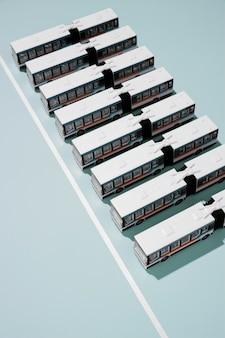 Assortimento di trasporti pubblici ad alto angolo
