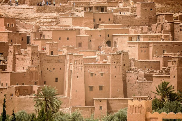 モロッコの歴史的なaitベンハドゥ村のハイアングルショット