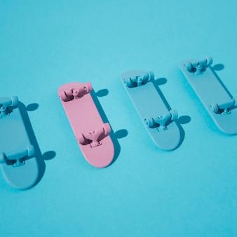 높은 각도의 스케이트 보드 배열