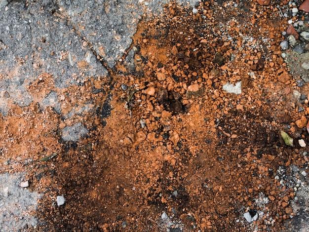 茶色の汚れの背景の高角度のビュー