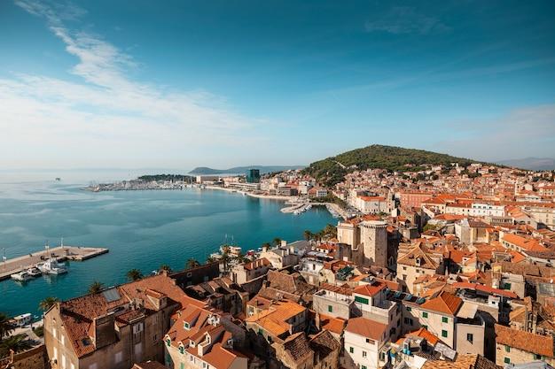 분할, 달마 티아, 크로아티아의 높은 각도보기