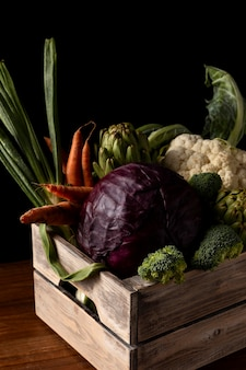 野菜とハイアングル木箱