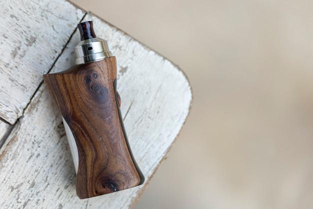 안정화 된 천연 호두 조절 상자 모드, 베이 핑 장치, 선택적 초점 기능을 갖춘 고급 재생 형 물방울 분무기