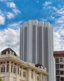 Высокие современные здания в центре города куала-лумпур