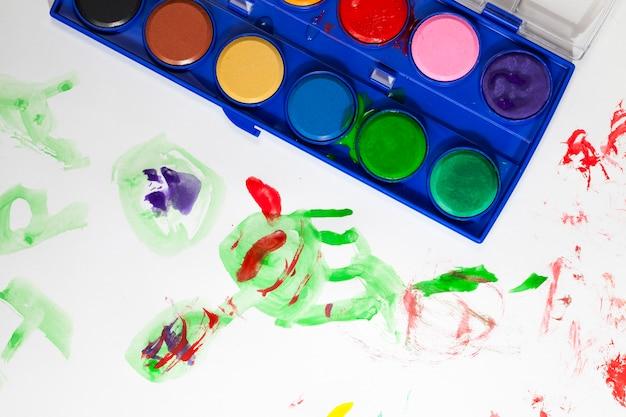 그림을 그리기 위한 고품질 페인트 및 도구, 그리기용 페인트 및 아트 브러시, 멀티 컬러 페인트 클로즈업