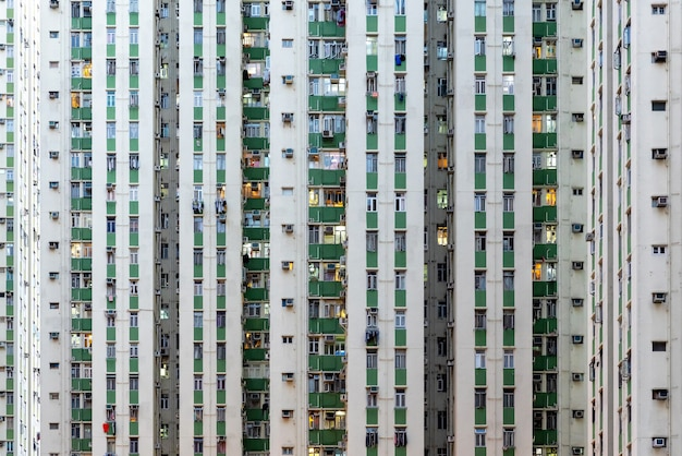 Многоэтажное здание в гонконге.