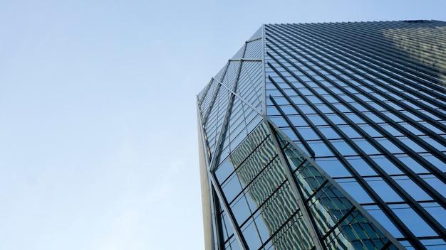 도심의 고층 건물