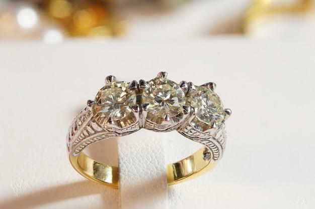 High value gems каменные аксессуары, золото, бриллиант, рубин, жемчуг, серьги