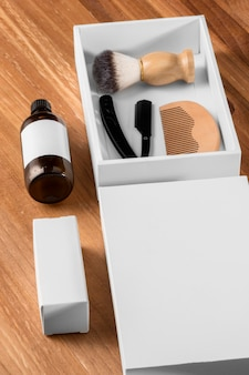 Инструменты и ящик для парикмахерской с высоким видом
