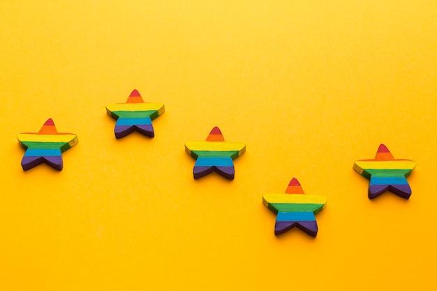Stelle orgoglio arcobaleno alta vista