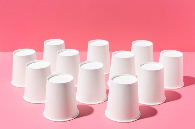 Перевернутые чашки с высоким обзором